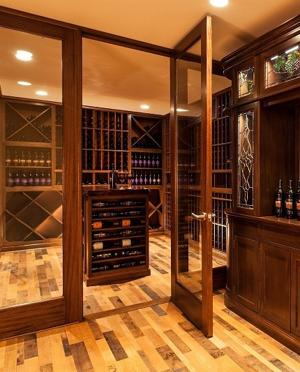 Decorative Reclaimed Wine Barrels For A Stylish Wine Room